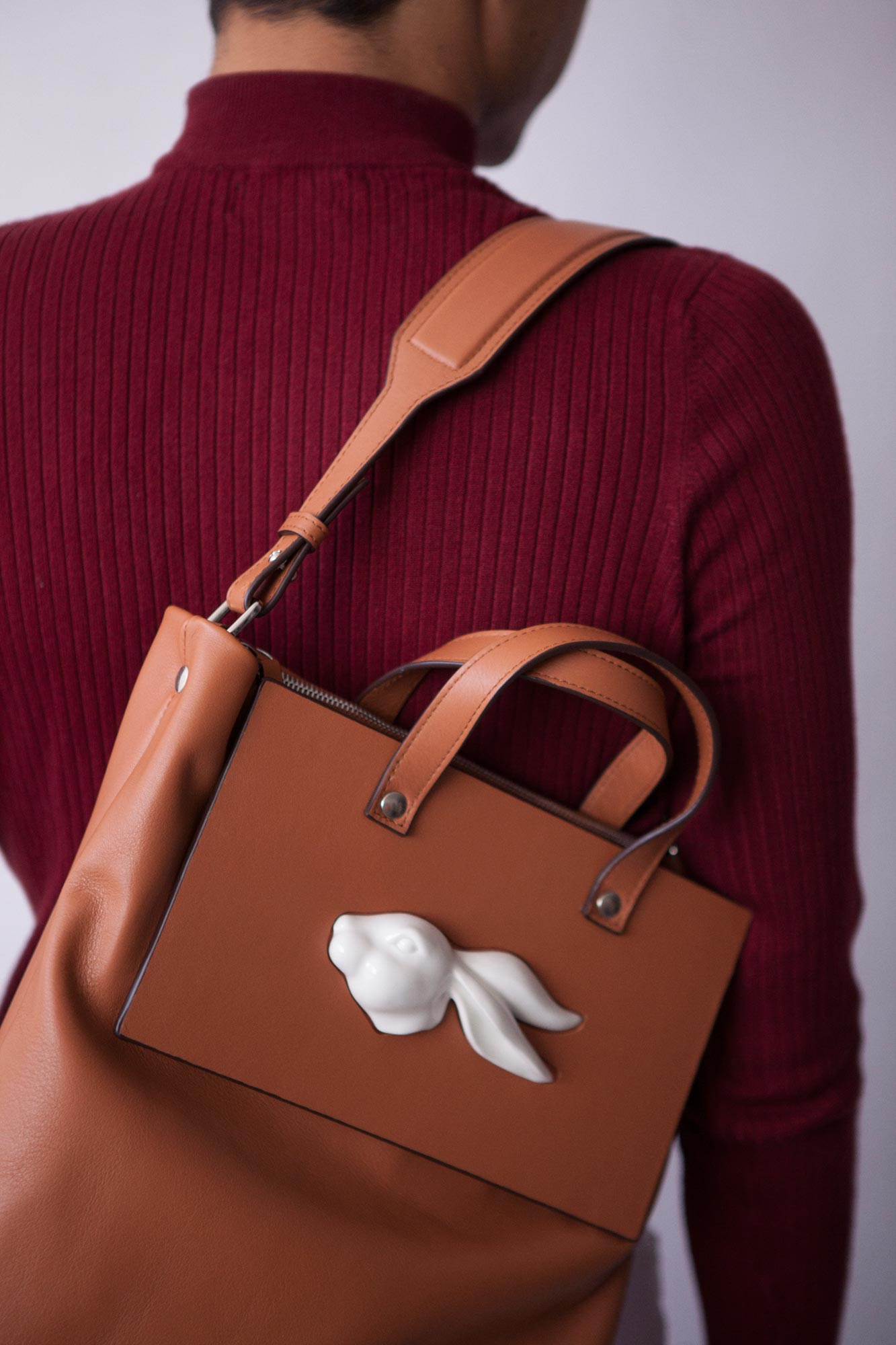 Tote Rabbit Head Camel
