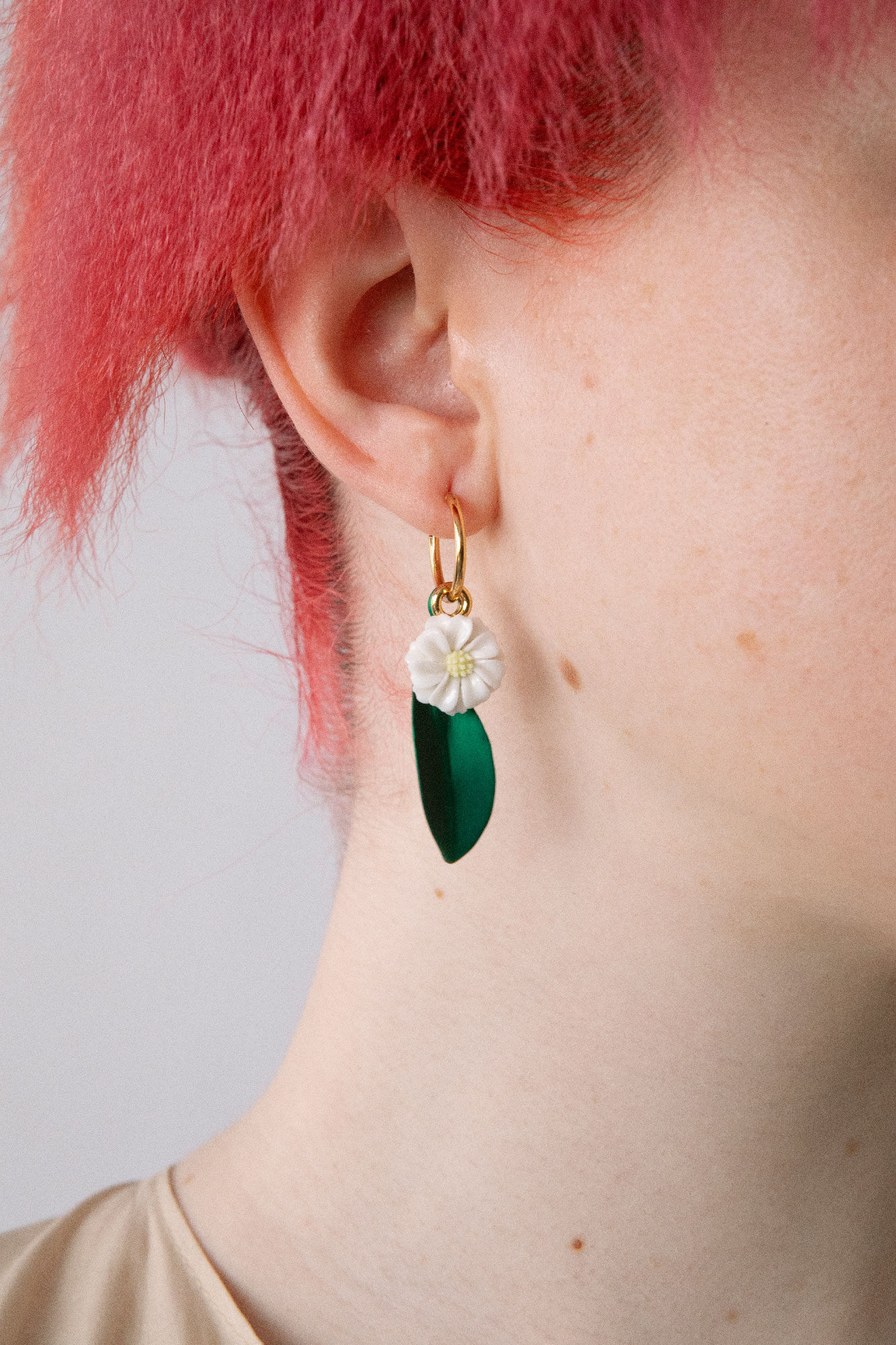 Daisy Charm Single Earring