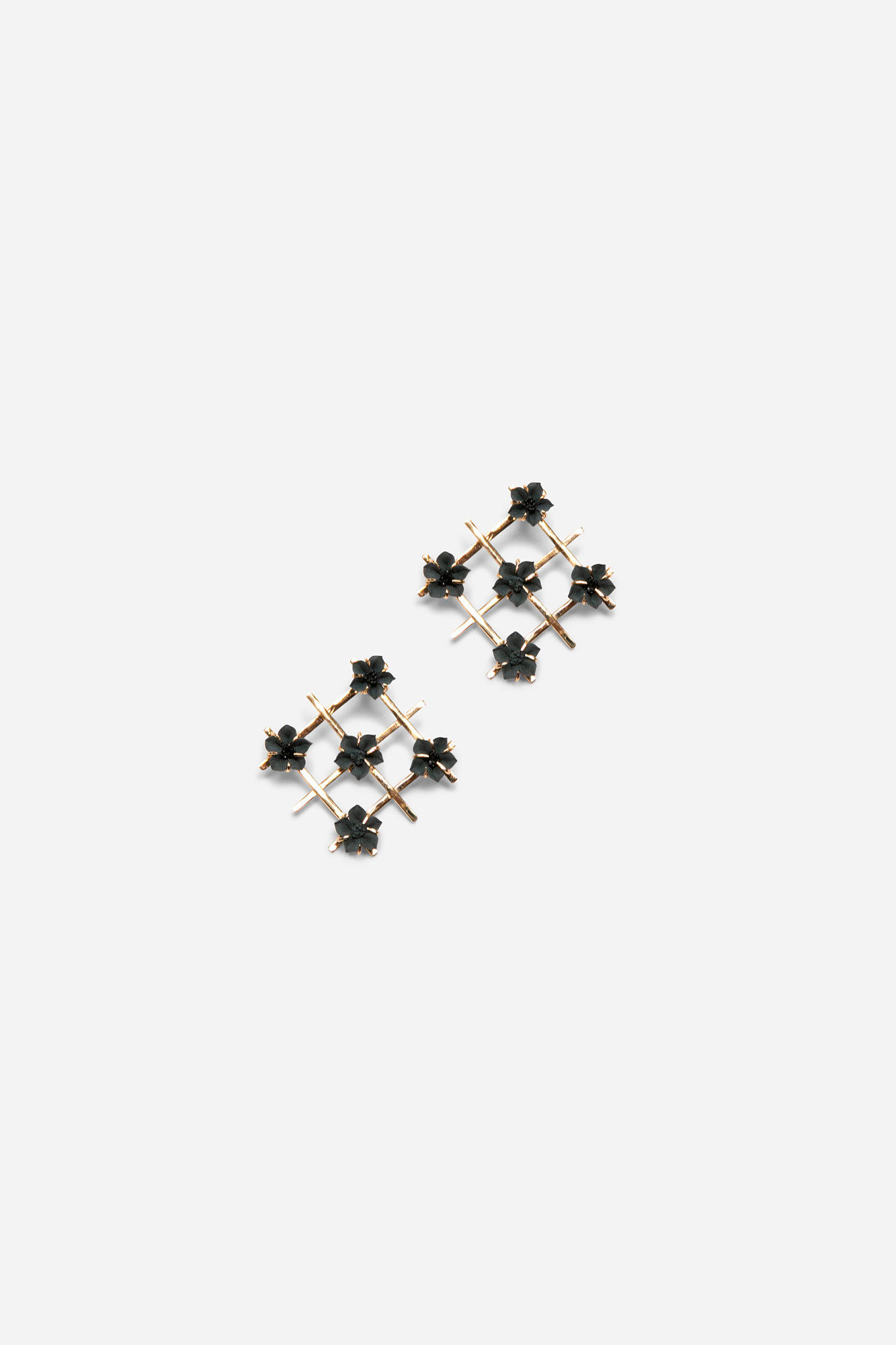 Mini Petunia Grid Earrings