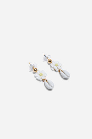 DAISY SHELL EARRINGS